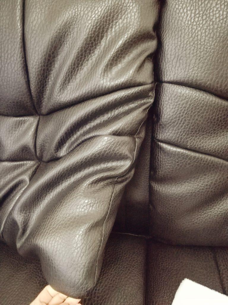 ソファーの汚れがたまるところ